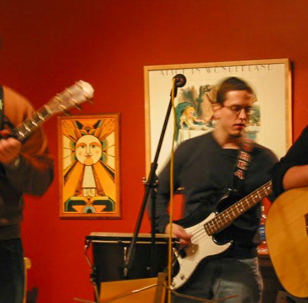 acoustic 3 piece folk band